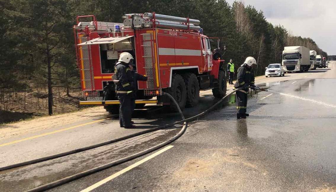 Спасатели МЧС приняли участие в ликвидации последствий ДТП в Стародубском муниципальном округе