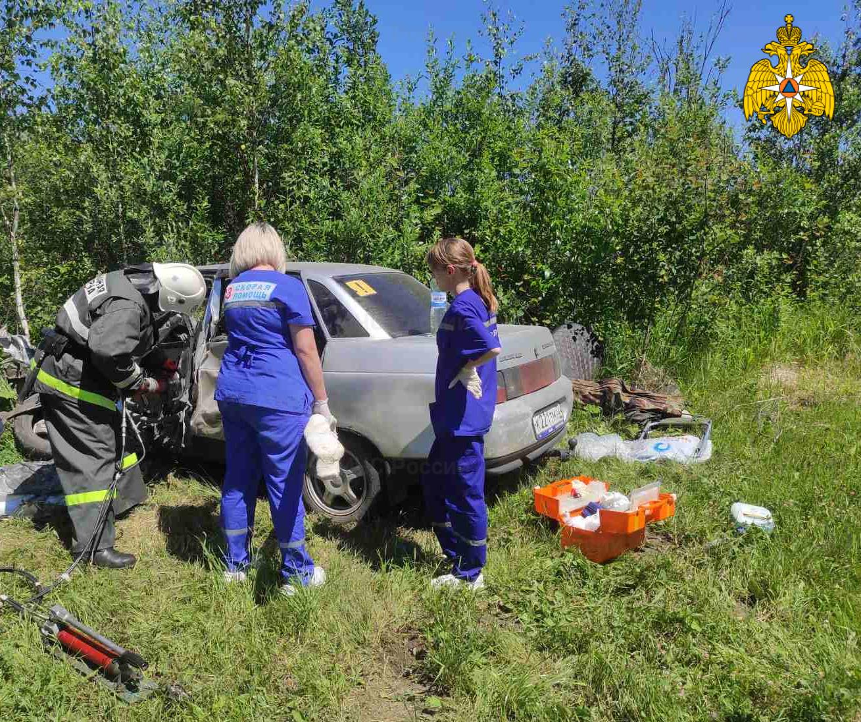 Спасатели МЧС приняли участие в ликвидации последствий ДТП в Дубровском районе