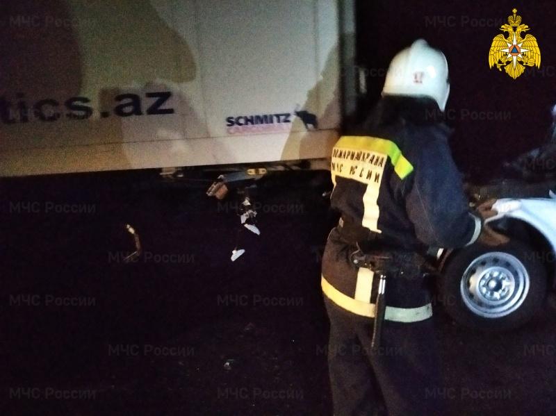 Спасатели МЧС приняли участие в ликвидации последствий ДТП в Севском районе